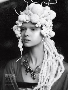 Elle Mexico's Coexistencia Story Boasts Avant Garde Accessories #photography trendhunter.com