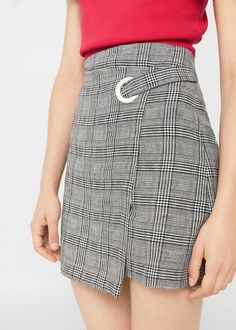 Check wrap skirt - Woman Cotton-blend fabric Crossover design Checkered print Metallic ring Asymmetric hem Zip fastening on the back section Cute Skirt Outfits, Cute Skirts, Short Skirts, Fall Outfits, Mini Skirts, Look Fashion, Skirt Fashion, Fashion Outfits, Skort Outfit