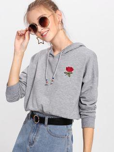 Hoodie mit sehr tief angesetzter Schulterpartie und Rose Stickereien -  German SheIn(Sheinside) Schulter 999721b0b3