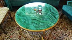 Turn a thrift store coffee table into an amazing malachite showstopper with my special faux malachite technique. I love how easy this is once you get the hang o… Faux Marble Coffee Table, Diy Coffee Table, Coffee Table Makeover, Table Diy, Epoxy Resin Table, Mosaic Flower Pots, Thrift Store Crafts, Funky Home Decor, Green Marble