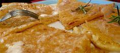 """L'oro di Pisa, è un piatto tipico della cucina ligure e della cucina toscana costiera.Nota in Liguria come """"farinata"""", nel genovese viene chiamata """"fainâ de çeixai"""",nel savonese """"turtellassu"""",... Vai »"""