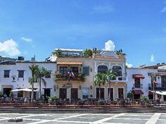 Santo Domingo, Dominican Republic: Alcazar de Colon - view of Plaza de España