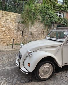 Pretty Cars, Cute Cars, My Dream Car, Dream Cars, Vintage Cars, Antique Cars, Paris Travel Tips, Italian Summer, Old Money
