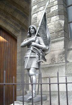 Statue de Jeanne d'Arc, Basilique Sainte-Jeanne-d'Arc, Paris
