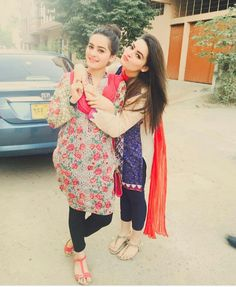 Aiman khan  & Minal khan.. AsMa Lashari Baloch Pakistani Models, Pakistani Girl, Pakistani Actress, Pakistani Dresses, Beautiful Girl Photo, Cute Girl Photo, Girl Photo Poses, Girl Photos, Sister Pictures