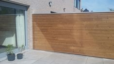 Sterk in houten projecten Horizontal Fence, Small Backyard Landscaping, Fence Panels, Terrazzo, Villa, Architecture, Interior, Outdoor Decor, Home Decor