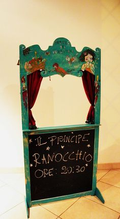 use a chart stand for a puppet theatre