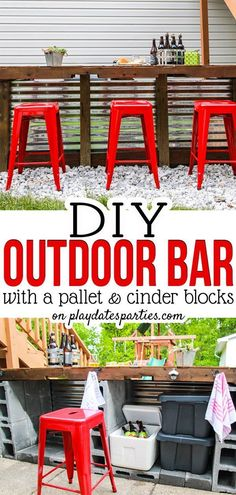 DIY Outdoor Bar with Cinder Blocks and a Pallet Every backyard needs a place for the adults to gather during the summer. Why not build your own backyard bar? Patio Bar, Fire Pit Backyard, Diy Patio, Backyard Patio, Backyard Ideas, Patio Ideas, Wedding Backyard, Pool Ideas, Backyard Storage