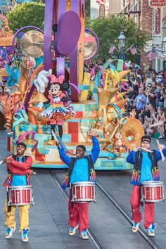 The Disneyland parade - Mickey's Soundsational Parade - is fun to watch. Try this to find the best places to sit