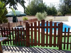 Make a fence Outdoor Furniture Sets, Outdoor Decor, Decoration, Bonsai, Ideas Para, Fence, Pergola, Diy Projects, Yard