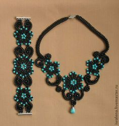 This Pin was discovered by Cyn Beaded Necklace Patterns, Beaded Statement Necklace, Diy Necklace, Bracelet Patterns, Seed Bead Jewelry, Bead Jewellery, Jewelry Crafts, Handmade Jewelry, Bead Loom Bracelets