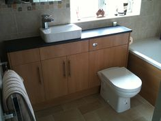 bathroom-installation-colour-matched-bath.jpg (600×450)
