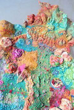 Elizabeth Creates: Ruffles and Flounces with Her Majesty Margo Nuno Felting, Fabric Manipulation, Felt Art, Wool Felt, Felted Wool, Textile Art, Fiber Art, Fashion Art, Scarf Wrap