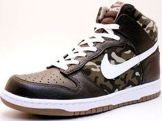 Nike Dunk Hi Premium Brown/Camo for doing battle on the hardwood.