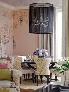 'Wisteria' design in full custom colourway on Almost Mauve dyed silk. Interior design by Kendall Wilkinson Design. Hand Painted Wallpaper, Of Wallpaper, Dining Room Design, Dining Rooms, Chinoiserie Chic, Chandelier Shades, Ceiling Chandelier, Beautiful Space, House Beautiful