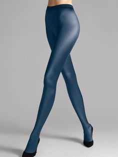 Elegant character: The secret of these tights lies in their satin sheen and legendary back seam that highlights the back of the leg. Nylons, Wolford Tights, Pantyhose Heels, Pantyhose Fashion, Fashion Tights, Satin Gloss, Blue Tights, Lady Stockings, Superhero Cosplay