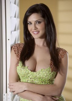 HQ: Sex Kitten Sunny Leone Hot New Picture Update Daily> - Page 13