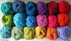 color story for making a blanket, very handy for the color-choosing challenged like myself. Love Crochet, Crochet For Kids, Beautiful Crochet, Knit Crochet, Color Mixing Chart, Color Stories, Colour Story, How To Purl Knit, Knitted Blankets