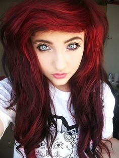 Scene girl hair. I love the colors Her eyes are so pretty!
