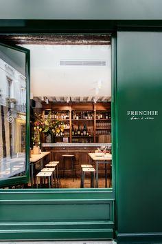 FRENCHIE 9 Rue du Nil, 75002 Paris, Tel.01 44 82 07 82