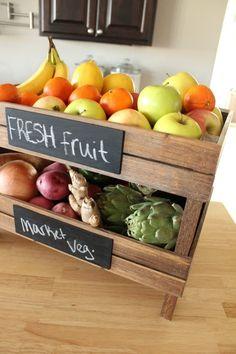 Caixas de fruta, bela fruteira.