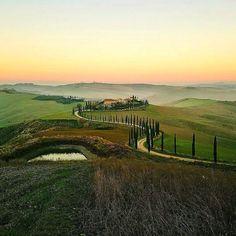 Discovering Crete Senesi #asciano #siena #love . #igerssiena #ascianoturismo #igerstoscana #toscana #tuscany #italia #italy #aroundsiena #borghitalia #browsingitaly #natgeotravel #italiainunoscatto #ilikeitaly #discovertuscany #tuscanygram #ig_italia #volgoitalia #volgosiena #ig_italy #igersitalia #italian_places #whatitalyis #framesofitaly Photo credit: @lucababboni