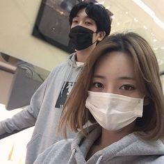 Imagen de korean girl, ulzzang, and korean boy Korean Ulzzang, Korean Boy, Korean Couple, Cute Korean, Ulzzang Couple, Ulzzang Girl, Cute Couples Goals, Couples In Love, Couple Avatar