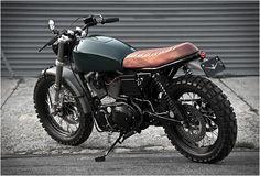 A empresa Vdbmoto com sede no Brooklyn lançou outra bela e simples moto personalizada, uma Harley Davidson de 1999 Sportster 1200 que foi desconstruída, atualizada e reconstruída em uma máquina única, a Harley Scrambler H-1. A estrutura foi encu