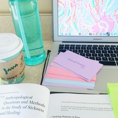 i really like lilly pulitzer & pizza — myonlysunflower:   A colorful workspace is a happy...