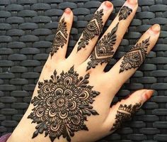 Beautiful Floral Tikki mehndi design for eid 2017