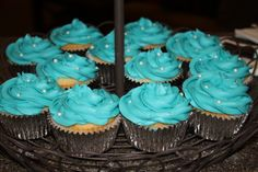 Cupcakes (Breakfast at Tiffany's jewelry party theme)