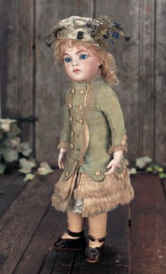 """French Bisque Bebe Bru with Original Body and Wig,Splendid Blue Eyes,and Signed Shoes 16"""" (41 cm.)"""