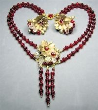 MIRIAM HASKELL RED BEAD & CRYSTAL CUT BEAD NECKLACE SET