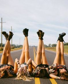Take a roadtrip with your friends this summer <3