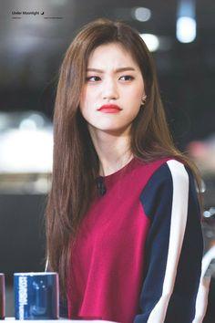But why doe? Hwang Jin Uk, South Korean Girls, Korean Girl Groups, Song Jae Rim, Kim Doyeon, Seolhyun, Cosmic Girls, Bright Eyes, Korean Beauty