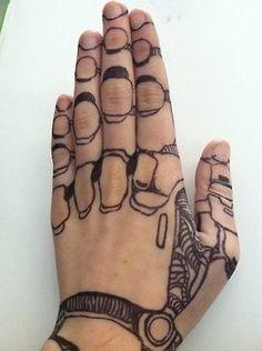 Looks like Linh Cinder's hand!