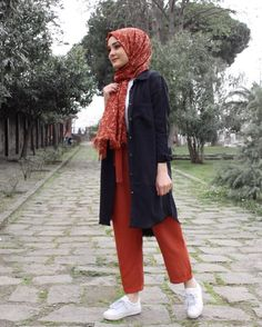 Pinterest: just4girls Muslim Fashion, Hijab Fashion, Fashion Tips, Fashion Outfits, Womens Fashion, Hijab Dress, Casual Hijab Outfit, Denim Ootd, Hijab Tutorial