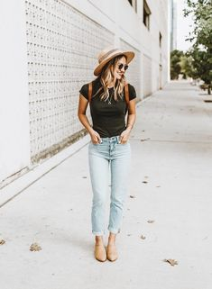 women casual boho outfit with hate Casual Outfits, Cute Outfits, Fashion Outfits, Womens Fashion, Fashion Fashion, Fashion Brands, Boyfriend Jeans Outfit Summer, Vogue, Looks Cool