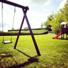Lo spazio per i bambini...un'area giochi con campo da calcetto tutto per loro...e per i più grandi!!!