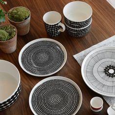 Marimekko Siirtolapuutarha Mug Ceramic Tableware, Ceramic Clay, Kitchenware, Marimekko, Scandinavia Design, Industrial Home Design, Mid Century Modern Kitchen, Cookery Books, Swedish Design
