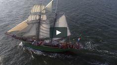 Ons #DJbusje werd geboekt door de #ROTCYP en mocht temidden van allemaal oude viermaster schepen de muziek verzorgen in IJmuiden!