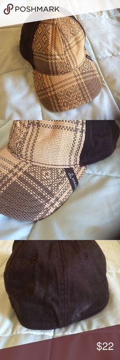 Prana one size fits all hat Great hat, couldn't make it for my wardrobe. Needs a good home, it's such a fun hat! Accessories Hats