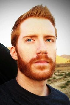 ideas for red hair men ginger guys beards Scruffy Men, Hairy Men, Bearded Men, Mens Hairstyles With Beard, Hair And Beard Styles, Hot Ginger Men, Ginger Guys, Moustaches, Redhead Characters