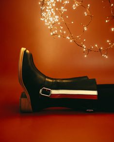 It really feels like Christmas! #eurekashoes #shoes #handmadeshoes #madeinportugal #fashionisfun #lights #christmasiscoming #christmas #magic