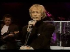 Bee Gees - Juliet - Live in Berlin - Robin is SO SEXY - I can't sing along to Robin's songs, because I only want to hear his voice, not mine.