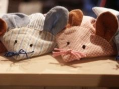 ... und als erstes wie versprochen zu den Mäusen: Gleichmäßige Wärme hilft nicht nur kleinen Kindern die Füßchen zu wärmen sondern auch ...