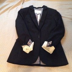 NWT Banana Republic Blazer Lightweight  wool blazer. Fully lined. Vented back and buttons on sleeves. Banana Republic Jackets & Coats Blazers