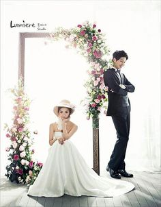 Elegant and All Natural 37 Korean Wedding Photos to Make Marriage Plans Next Summer – Wedding Fotoshooting Couple Photoshoot Poses, Pre Wedding Photoshoot, Wedding Poses, Wedding Shoot, Wedding Couples, Marriage Images, Bride Groom Poses, Korean Wedding Photography, Photography Ideas