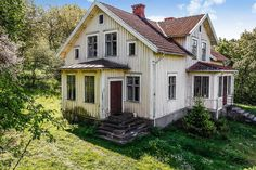 Fairy Oak, Home Id, Garden Cafe, Scandinavian Home, Home Reno, Classic House, House Goals, Little Houses, Old Houses