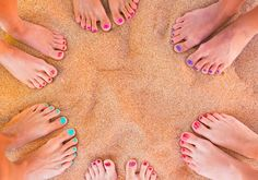 Hate Your Tootsies? 6 Tricks for #Pretty-ish #Summer # http://www.organicauthority.com/6-tricks-for-pretty-ish-summer-feet-so-you-can-stop-hating-on-your-feet/
